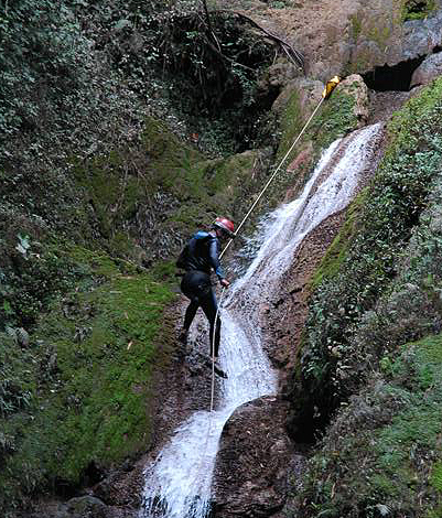 Canyoning in Sierra Maestra